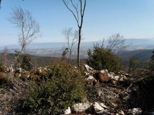 Panoramica dei Monti Martani e degli appennini come si presentano dal Castellare